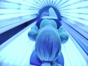 Melanoma Strikes Earlier If Indoor Tanning Begins in Teens: Study